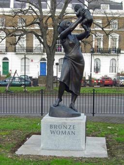 Femme de bronze. Source : http://data.abuledu.org/URI/52fa9a2f-femme-de-bronze