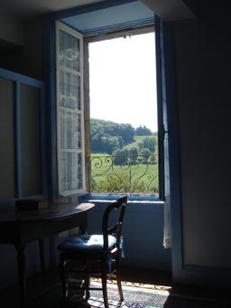 Fenêtre ancienne à la française de 1780. Source : http://data.abuledu.org/URI/534aeabc-fenetre-ancienne-a-la-francaise-de-1780