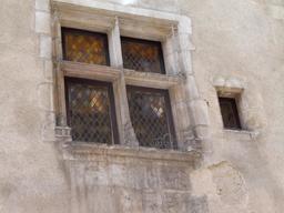 Fenêtre du XVème siècle à Bordeaux. Source : http://data.abuledu.org/URI/590759ce-fenetre-du-xveme-siecle-a-bordeaux
