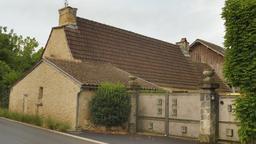 Ferme du village de Montignac. Source : http://data.abuledu.org/URI/5994b62d-ferme-du-village-de-montignac