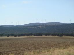 Ferme éolienne en Espagne. Source : http://data.abuledu.org/URI/587f2722-ferme-eolienne-en-espagne