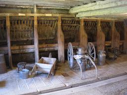 Ferme Jacquemot, la grange. Source : http://data.abuledu.org/URI/54a49a19-ferme-jacquemot-la-grange