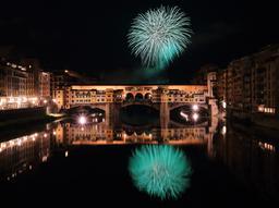 Feu d'artifice au-dessus du Ponte Vecchio. Source : http://data.abuledu.org/URI/565cf64c-feu-d-artifice-au-dessus-du-ponte-vecchio