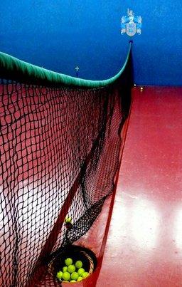 Filet de tennis. Source : http://data.abuledu.org/URI/502b6820-filet-de-tennis
