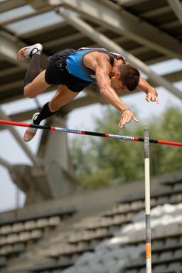 Finale de saut à la perche 2013. Source : http://data.abuledu.org/URI/538a4c8b-finale-de-saut-a-la-perche-2013