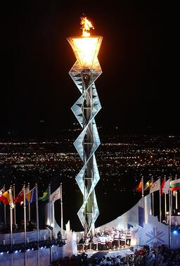 Flamme olympique de 2002. Source : http://data.abuledu.org/URI/534aa4b4-flamme-olympique-de-2002