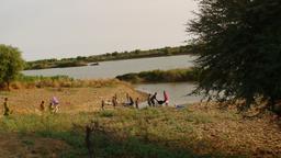 Fleuve Doué à Ndiawar au Sénégal. Source : http://data.abuledu.org/URI/52e4ea14-fleuve-doue-a-ndiawar-au-senegal