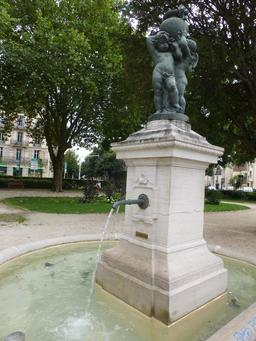 Fontaine à Dijon. Source : http://data.abuledu.org/URI/581c9085-fontaine-a-dijon