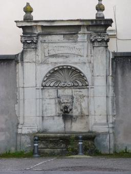 Fontaine à Nancy. Source : http://data.abuledu.org/URI/581a4628-fontaine-a-nancy