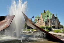 Fontaine de la gare du Palais à Québec. Source : http://data.abuledu.org/URI/54a85067-fontaine-de-la-gare-du-palais-a-quebec