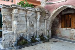 Fontaine de Rethymnos en Crète. Source : http://data.abuledu.org/URI/5652d5c7-fontaine-de-rethymnos-en-crete