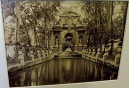 Fontaine Médicis au Luxembourg. Source : http://data.abuledu.org/URI/5990716d-fontaine-medicis-au-luxembourg