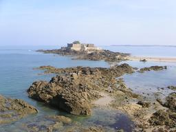 Fort National Saint-Malo en Bretagne. Source : http://data.abuledu.org/URI/5357db40-fort-national-saint-malo-