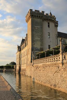 Fossé du Château de Villandry. Source : http://data.abuledu.org/URI/55e76663-fosse-du-chateau-de-villandry
