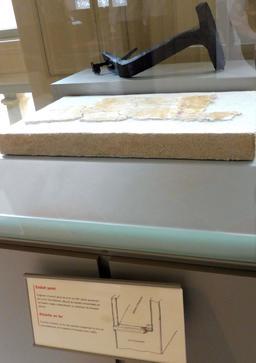 Fragment d'enduit peint au Palais de la Berbie à Albi. Source : http://data.abuledu.org/URI/59c19395-fragment-d-enduit-peint-au-palais-de-la-berbie-a-albi