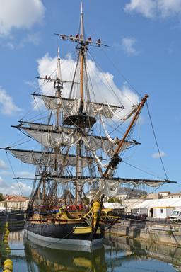 Frégate Hermione réplique de la frégate de 1779 en aout 2014. Source : http://data.abuledu.org/URI/555927dc-fregate-hermione-replique-de-la-fregate-de-1779-en-aout-2014