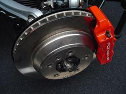 Frein à disque Porsche. Source : http://data.abuledu.org/URI/504310c3-frein-a-disque-porsche
