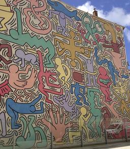 Fresque Tuttomondo à Pise. Source : http://data.abuledu.org/URI/5388e55b-fresque-tuttomondo-a-pise