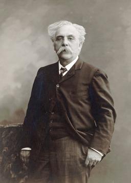Gabriel Fauré. Source : http://data.abuledu.org/URI/59dd64da-gabriel-faure