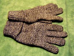 Gants de laine. Source : http://data.abuledu.org/URI/50fdb8fb-gants-de-laine