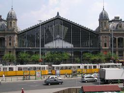 Gare de Budapest. Source : http://data.abuledu.org/URI/51d9992f-gare-de-budapest
