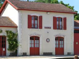 Gare de Sabres dans les Landes. Source : http://data.abuledu.org/URI/504709f6-gare-de-sabres-dans-les-landes