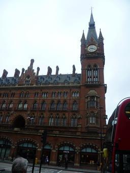 Gare de Saint Pancras à Londres. Source : http://data.abuledu.org/URI/54188df1-gare-de-saint-pancras-a-londres