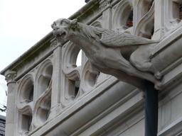 Gargouille à Blois. Source : http://data.abuledu.org/URI/56b79425-gargouille-a-blois
