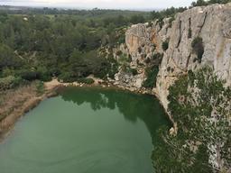 Gouffre de l'oeil doux dans l'Aude. Source : http://data.abuledu.org/URI/5545014d-gouffre-de-l-oeil-doux-dans-l-aude