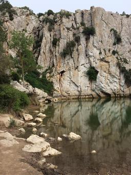 Gouffre de l'oeil doux dans l'Aude. Source : http://data.abuledu.org/URI/55450311-gouffre-de-l-oeil-doux-dans-l-aude