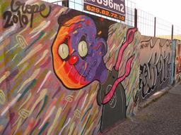 Graffiti d'extra-terrestre à Girona. Source : http://data.abuledu.org/URI/54c02a4b-graffiti-d-extra-terrestre-a-girona