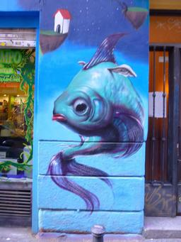Graffiti de poisson à Madrid. Source : http://data.abuledu.org/URI/537e4c4a-graffiti-de-poisson-a-madrid
