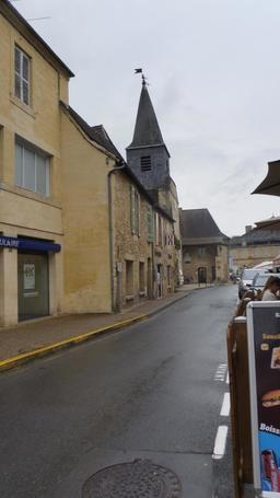 Grand rue à Montignac-24. Source : http://data.abuledu.org/URI/5994da59-grand-rue-a-montignac-24
