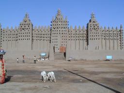 Grande Mosquée de Djenné. Source : http://data.abuledu.org/URI/52d146cf-grande-mosquee-de-djenne