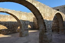 Greniers de la forteresse de Rethymnos en Crète. Source : http://data.abuledu.org/URI/5652d304-greniers-de-la-forteresse-de-rethymnos-en-crete