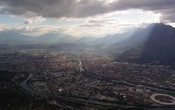 Grenoble vu depuis le mont Néron. Source : http://data.abuledu.org/URI/520cfb0f-grenoble-vu-depuis-le-mont-neron