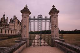 Grille d'entrée du château de Chambord. Source : http://data.abuledu.org/URI/55e5fec4-grille-d-entree-du-chateau-de-chambord