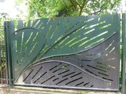 Grille du jardin botanique de La Rochelle. Source : http://data.abuledu.org/URI/5821ba3a-grille-du-jardin-botanique-de-la-rochelle