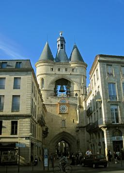 Grosse cloche de Bordeaux. Source : http://data.abuledu.org/URI/5547c938-grosse-cloche-de-bordeaux