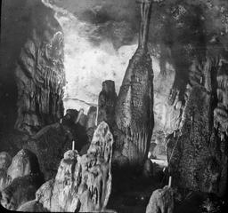 Grotte de Gargas au moment de sa découverte. Source : http://data.abuledu.org/URI/54b65ddc-grotte-de-gargas-au-moment-de-sa-decouverte