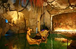 Grotte de vénus. Source : http://data.abuledu.org/URI/501e32a9-grotte-de-venus