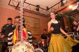 Groupe musical sénégalais Yaramá. Source : http://data.abuledu.org/URI/548862aa-groupe-musical-senegalais-yaram-