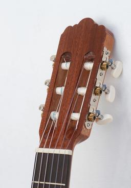 Guitare classique. Source : http://data.abuledu.org/URI/53029ab1-guitare-classique