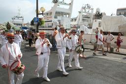 Hautbois et tambours à Sète. Source : http://data.abuledu.org/URI/5395e6d6-hautbois-et-tambours-a-sete