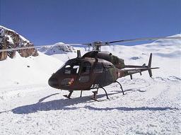 Hélicoptère Fennec dans la neige. Source : http://data.abuledu.org/URI/51afa6e5-helicoptere-fennec-dans-la-neige