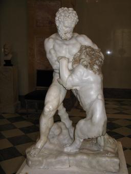 Héraclès tuant le lion de Némée. Source : http://data.abuledu.org/URI/505644fc-heracles-tuant-le-lion-de-nemee