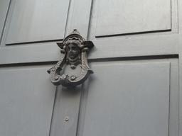Heurtoir à Dijon. Source : http://data.abuledu.org/URI/59269a13-heurtoir-a-dijon