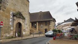 Hôpital Saint-Jean de Montignac-24. Source : http://data.abuledu.org/URI/5994dc67-hopital-saint-jean-de-montignac-24