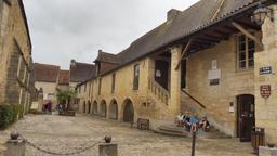 Hôpital Saint-Jean de Montignac-24. Source : http://data.abuledu.org/URI/5994dc81-hopital-saint-jean-de-montignac-24