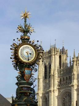 Horloge d'Amiens. Source : http://data.abuledu.org/URI/529a67e3-horloge-d-amiens